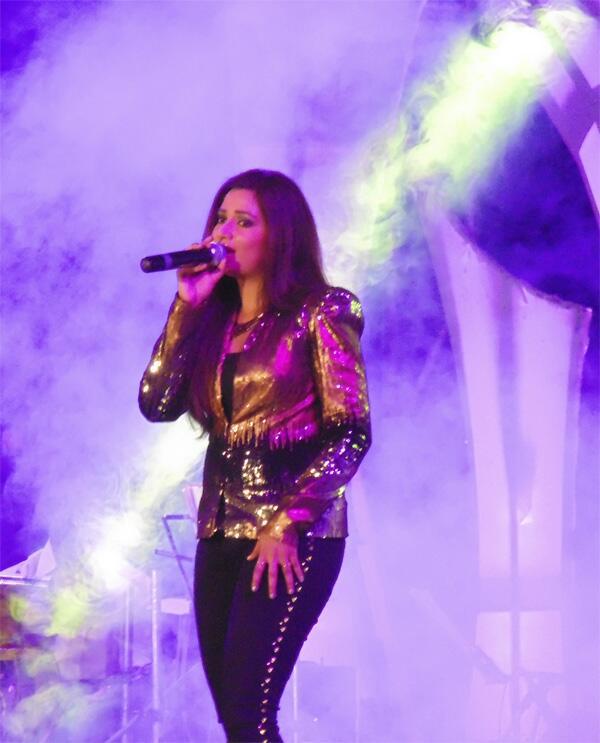 @shreyaghoshal what a mind blowing concert tonight at #Kolkata http://t.co/fJu1znKO6Y