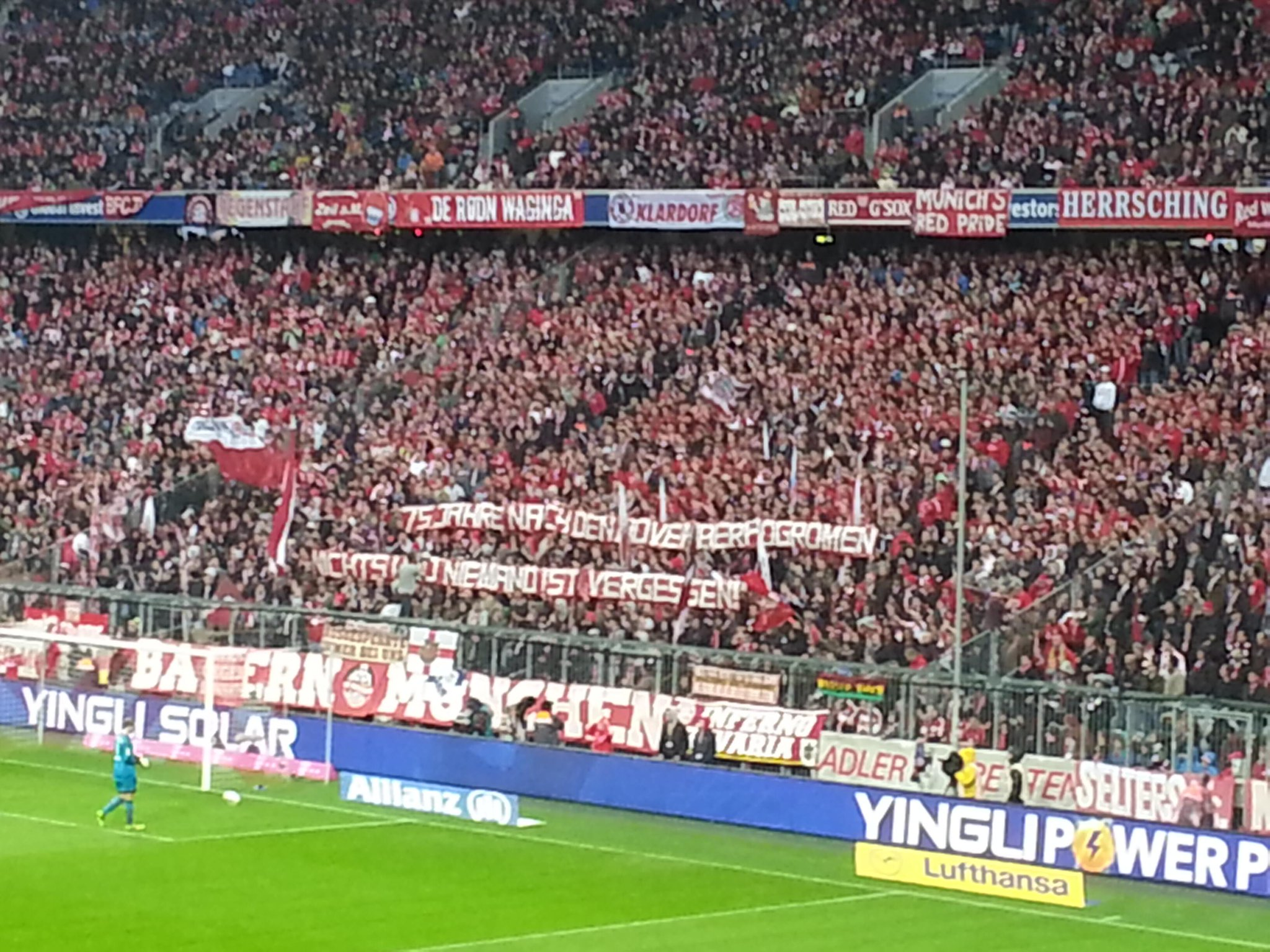 Bayern Munich fans commemorate the Nazi pogroms of 1938; 75 Years ago today [Picture]