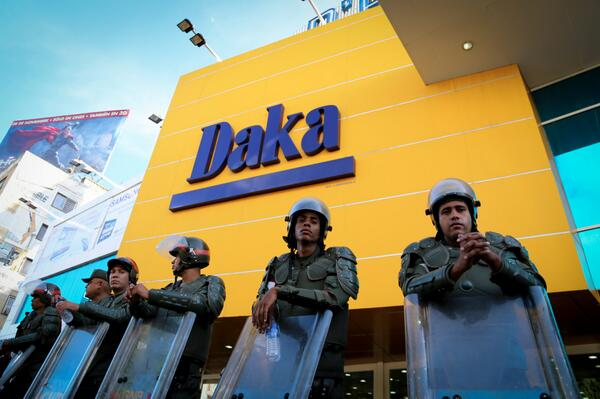 Venezuela sends in troops to force electronics chain to charge 'fair' prices