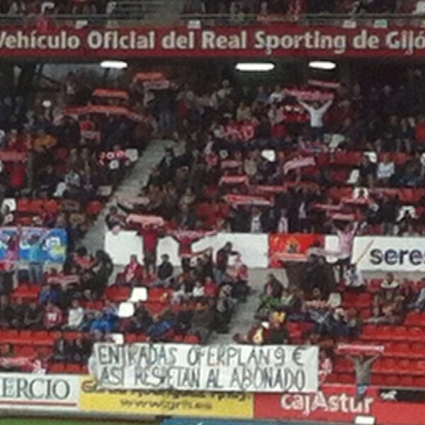 Junto con el gol de Lekic, lo mejor hoy en El Molinón. #Sporting http://t.co/bWWyTevGmU