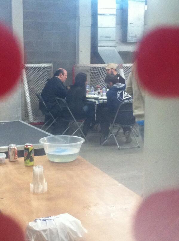 BYvywidIgAElyCv Photo   Paul Heyman, CM Punk, AJ Lee and Curtis Axel Have Lunch In Scotland