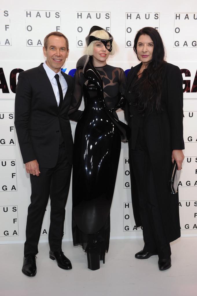 Lady Gaga >> artRave [10/11/13] BYw6UtdCQAIJ1u2