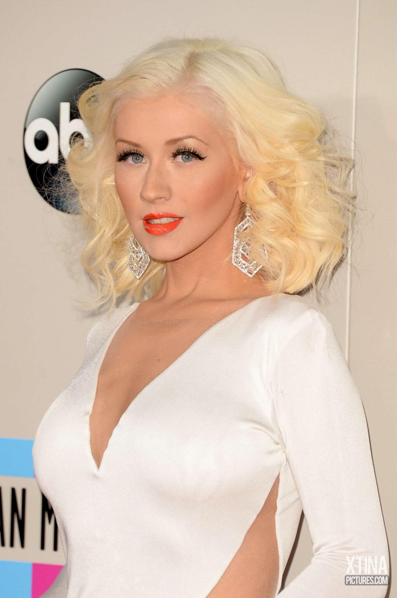 Aguilera en los American Music - Página 2 BZ4VmmjCUAAOU1e