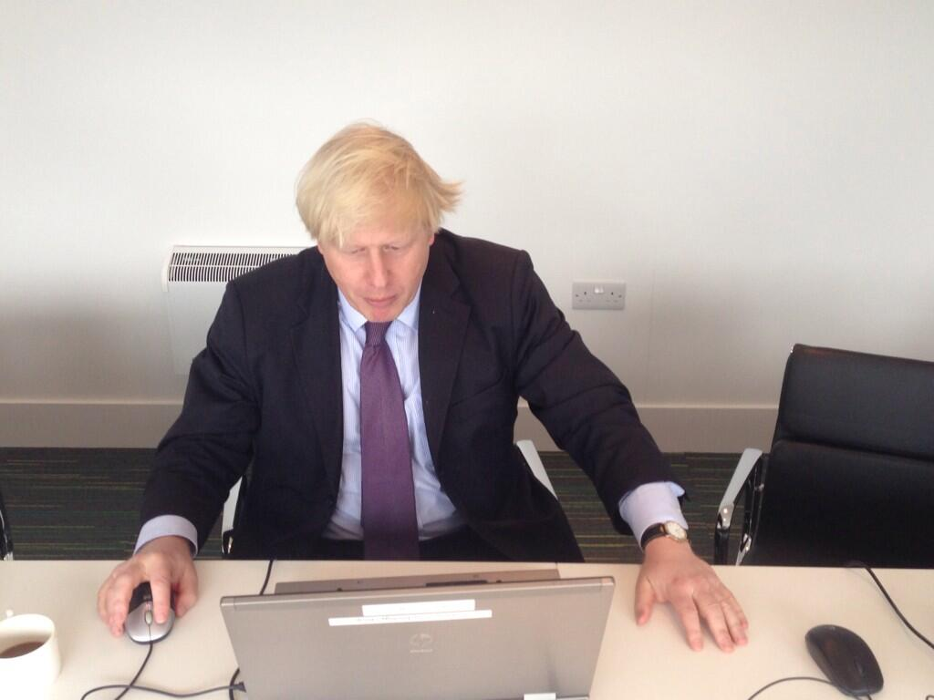 Hi folks - I'm here and ready for your questions #AskBoris @MayorofLondon http://t.co/wUfwRTls4v