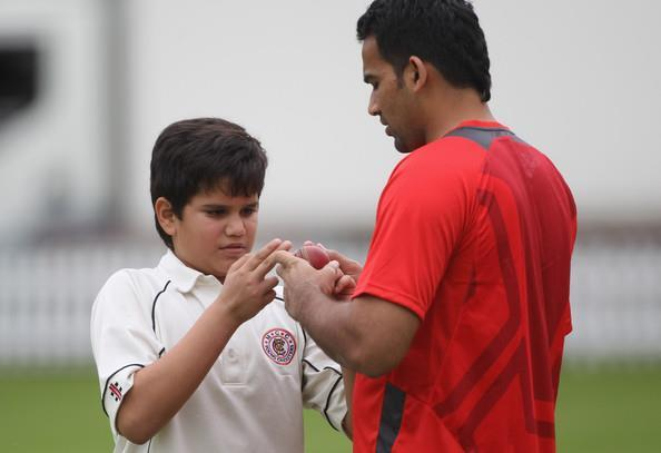 Arjun Tendulkar's decade old pic with Zaheer Khan goes viral as Mumbai Indians pacer gears up for IPL 2021