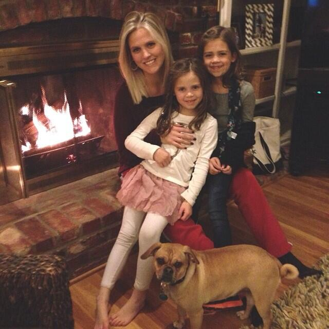 How gorgeous is my sister and my nieces!?!?!?!?!? I love them so much!!! :D @KristiWesthead Happy Holidays Family!! x http://t.co/SX9ZxzEJkA