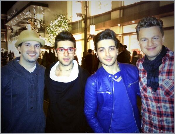 Thanks to @IlVolo for stopping by to hear @JakeSimpsonSoul with @MattCusson at @TheGroveLA last night! #soulful #men http://t.co/XwLcLo5BJN