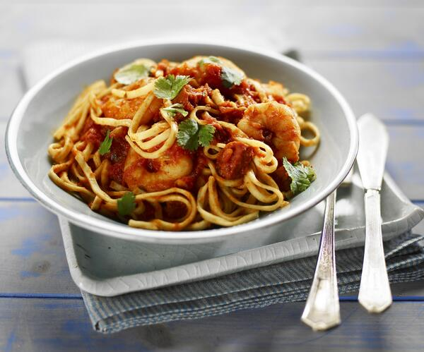 What do you think to this delicious looking prawn and chorizo linguine? Find out how, here! http://t.co/yUr8RPJt6f http://t.co/T2WCGGV69P