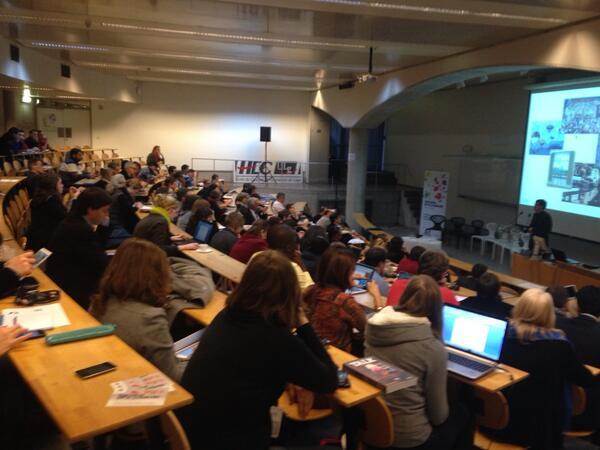 Salle bn remplie pr le 1er atelier du #qit13 sur le rôle de la culture ds la transformation territoriale. http://t.co/5vrur1Hlvg