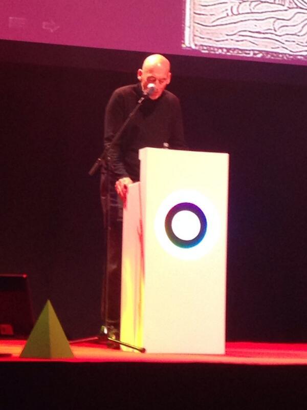 .@remkoolhaas nous parle d'utopies, irréalisables et qu'on tente pourtant de réaliser #QIT13 #sdlc2013 http://t.co/QwQi1SUamo