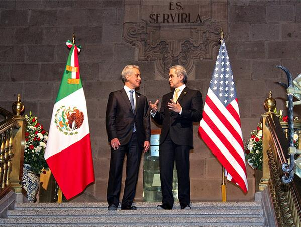 Rahm Emanuel & Miguel Angel Mancera sign trade agreement between #Chicago & Mexico City #GlobalCities http://t.co/vqok0xjcxK