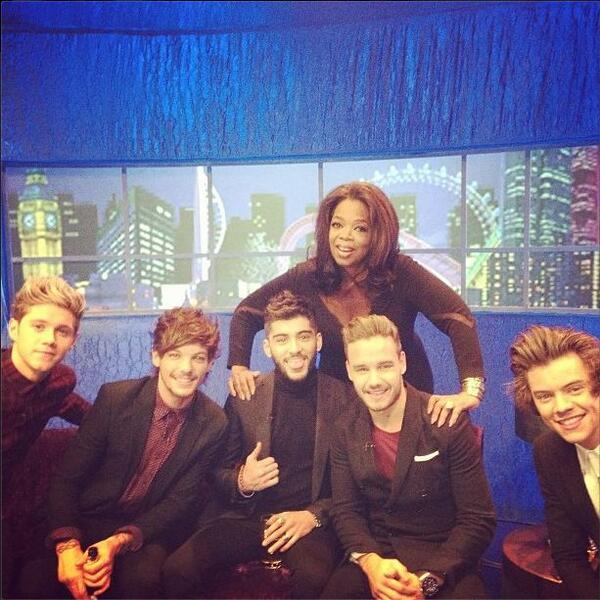 Backstage at @jonathanrossshow London with @onedirection #cuteboys http://t.co/Tt4gFSbzFD