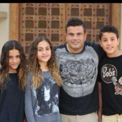 BZLF5qsCQAE 8pM صور احتفال عمرو دياب بعيد ميلاد ابناءه عبد الله وكنزي