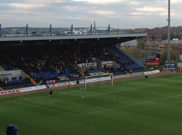 This lot are making a right old racket. Great stuff. #oufc http://t.co/SoA3LfDEYH