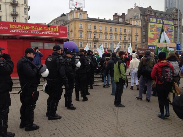 Big police presence at the #cop19 march http://t.co/pOCzFLeil0