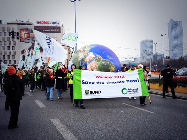 Joining #Warsaw's march for #climate action! #cop19 #unfccc http://t.co/cgQI08z3qR