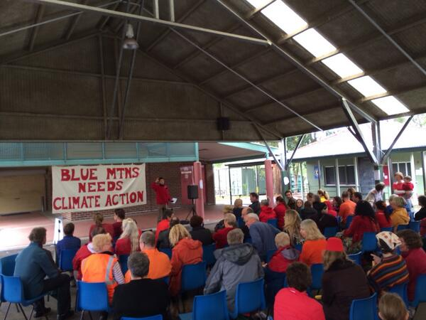 Shouts out from the #Springwood @getup #climate #change rally! http://t.co/I4tu6TLi3s