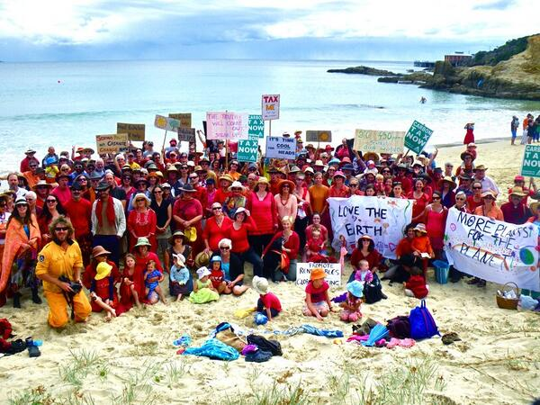 The #climateaction crowd looks amazing on the beach at Tathra, on the NSW Coast! http://t.co/isVGWshnZk
