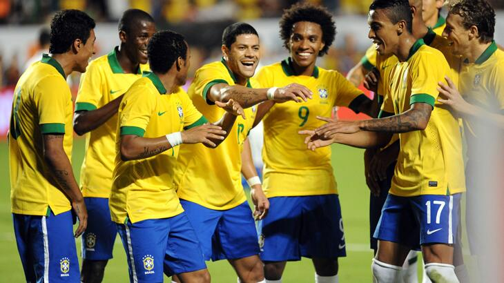 Who scored the best team goal on Saturday? Japan (v Holland) or Brazil (v Honduras) [Poll]