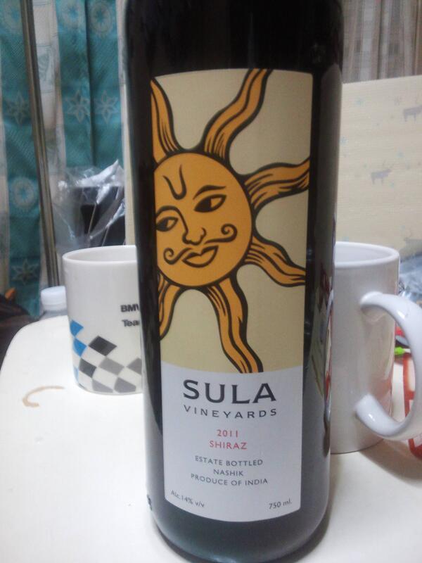 で、こちら、マリーさんへのオミヤゲの一。インドのワイン。