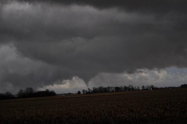 NEW PIC: #Tornado in Lebanon, IN earlier [via Nathan Curtis] #INwx http://t.co/DfNZcgjQsW