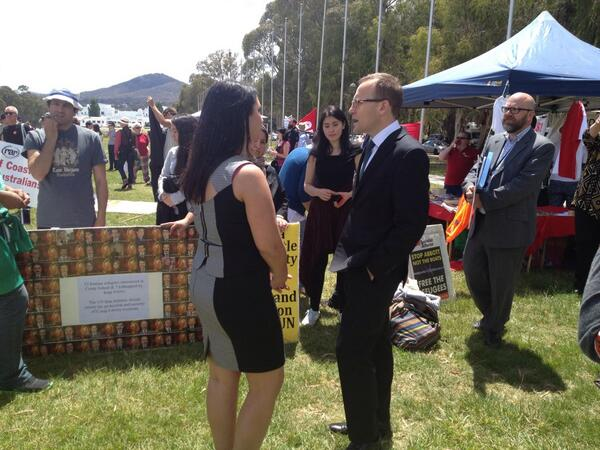 .@AdamBandt at #refugeeaction http://t.co/WzbVku6BXR