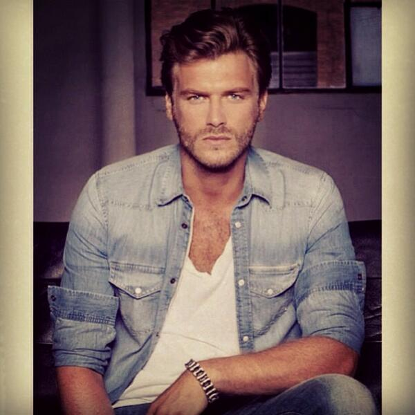 Kivanc Tatlitug On Twitter Follow Us Instagram Kivanctatlitug Tco WwLHWuXC8Z RT 2Lg22K0cdj