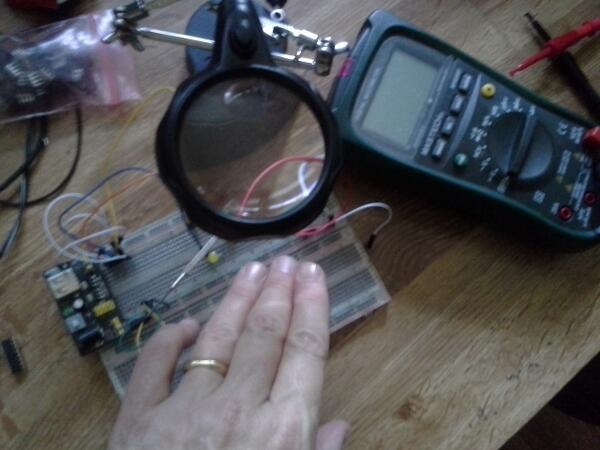 Testing circuits by hand ~ #ManicureMonday #Science http://t.co/mSQmCJTinw