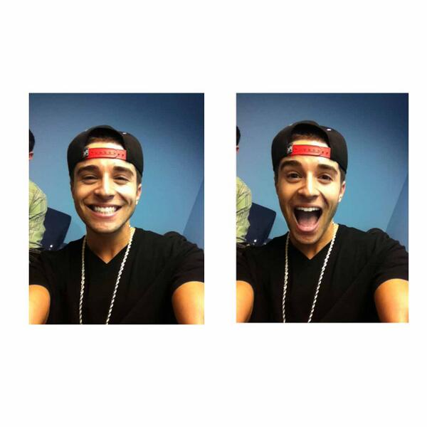 Ladies, @jakemillermusic just stopped by our office! How cute is he?! #Swoon http://t.co/sJWdCzMA03