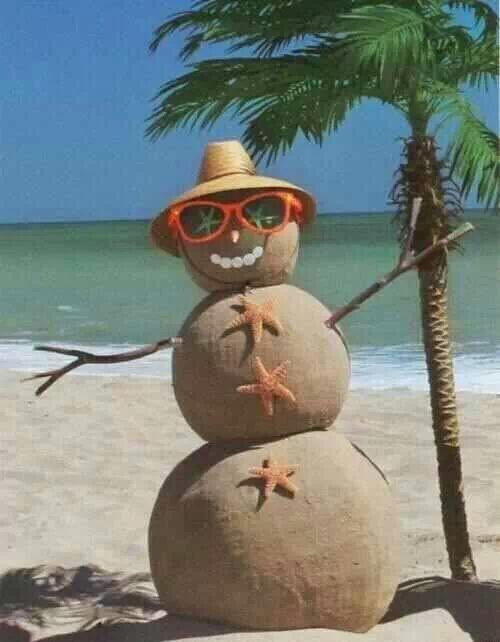 A Florida *snowman*-ok sandman.  LoL http://t.co/jKbgW9ZAgc
