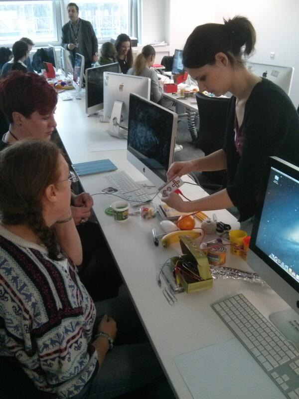 Getting to grips with #makeymakey at #gallerycamp13. #letsmakestuff http://t.co/YPZvocMTHC