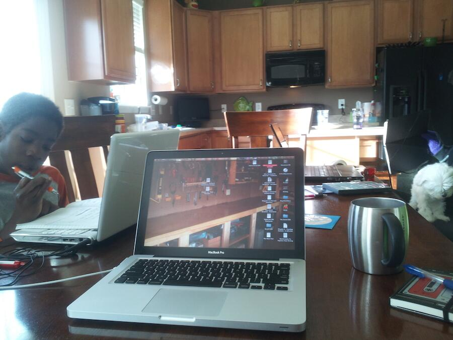 Twitter / edeckers: Today's desk: working at home ...