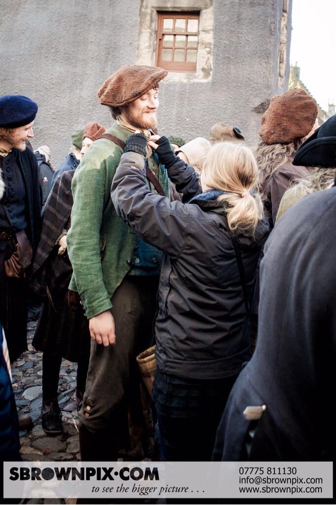 La série TV Outlander: une adaptation en cours (news, tournage, etc...) - Page 2 BZeLdIDIYAAWMcd