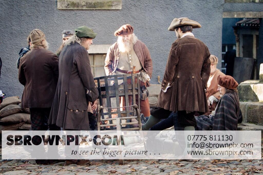 La série TV Outlander: une adaptation en cours (news, tournage, etc...) - Page 2 BZeNmuEIcAAeH2p