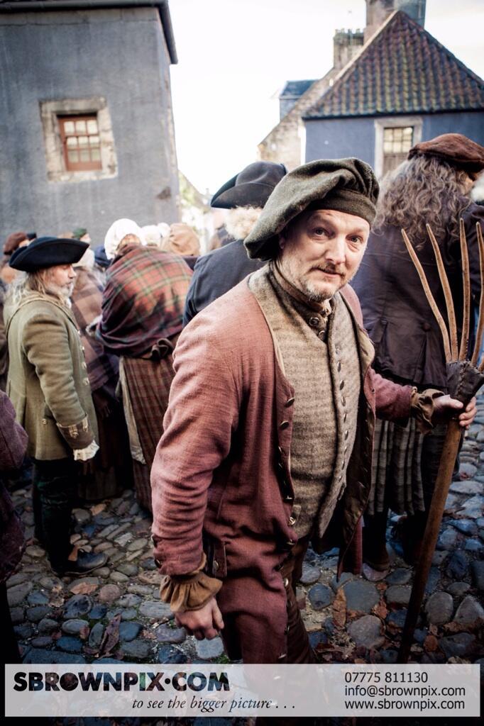 La série TV Outlander: une adaptation en cours (news, tournage, etc...) - Page 2 BZeOIdIIcAAvDBV