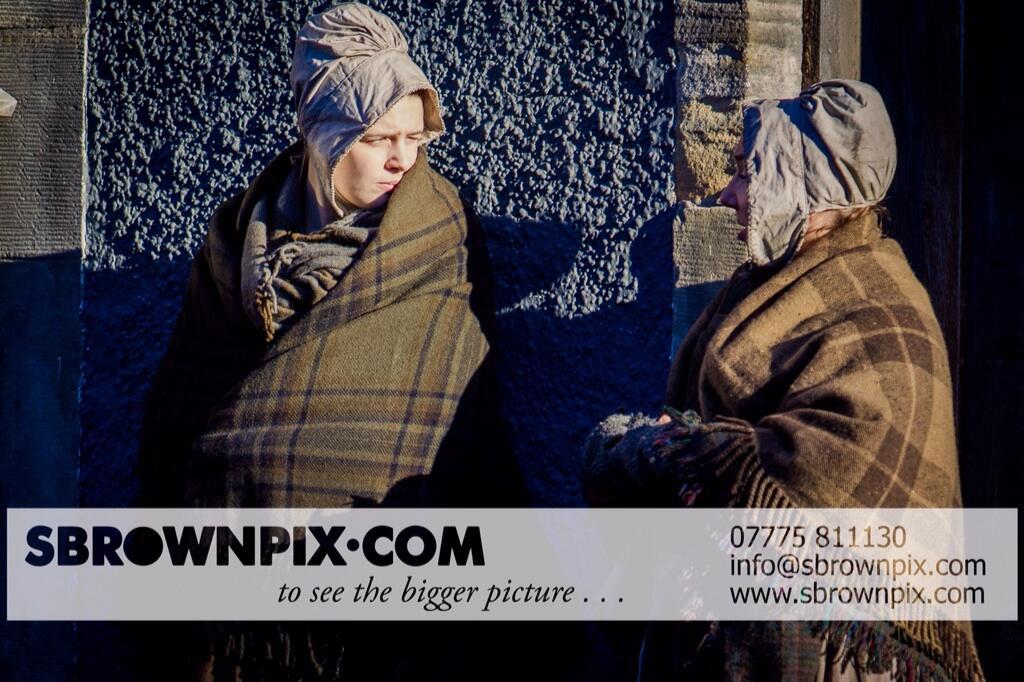 La série TV Outlander: une adaptation en cours (news, tournage, etc...) - Page 2 BZeQMwxIAAE6yy5