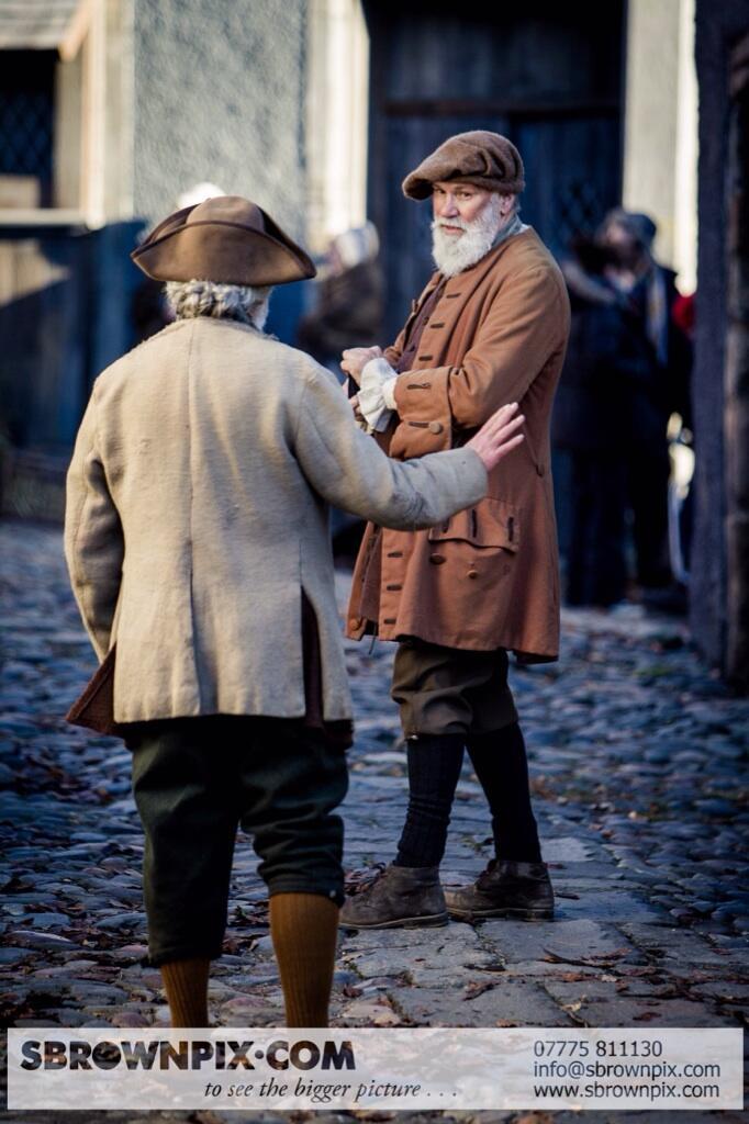 La série TV Outlander: une adaptation en cours (news, tournage, etc...) - Page 2 BZeUQUpIEAAMxB4
