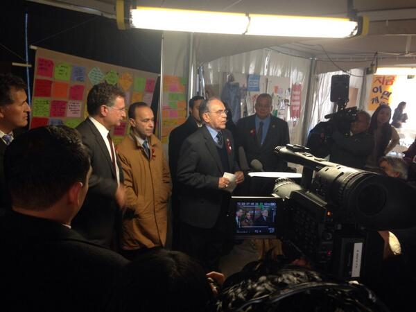 Now: Congressional Hispanic Caucus press conference at #Fast4Families. #TimeIsNow for @SpeakerBoehner to act http://t.co/oEQBVW1QpO