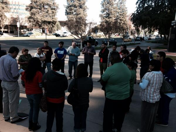 Fasters pray the rosary. @GOPWhip #fast4families http://t.co/JjIXQqW5wp