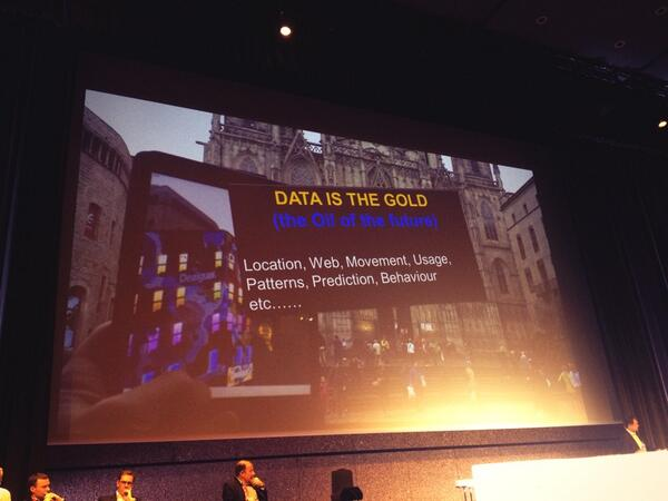 [Pic] La data reine des digital malls. #dws13 http://t.co/dphpqhwOi5