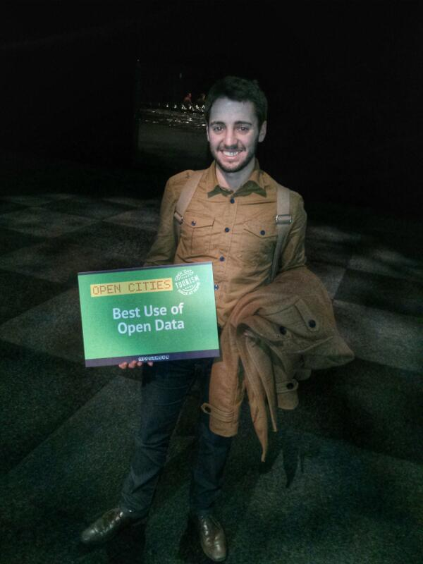 "@yourInstantApp gana el premio a ""best use of open data"" @AVerde90 @rrecheve #SmartCityExpo http://t.co/EcodJQygLI"