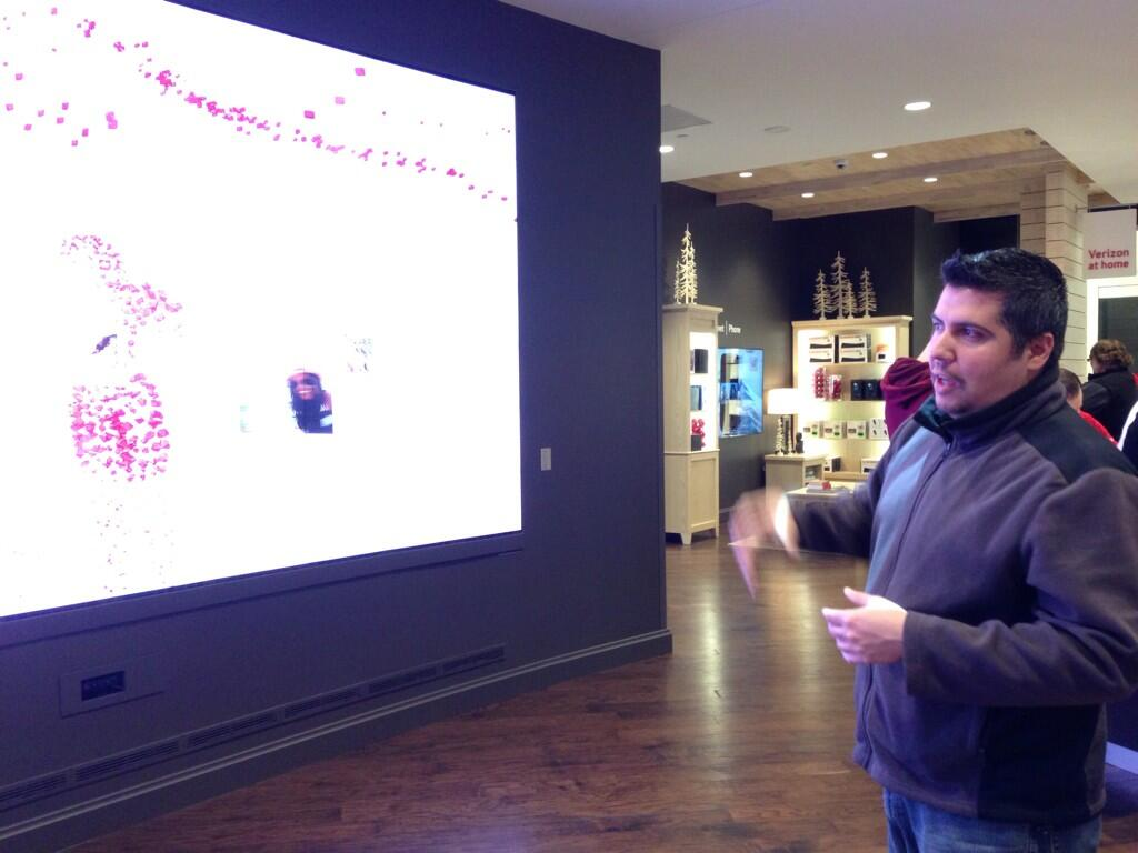 Twitter / ThriftyJinxy: Big screen fun in the Verizon ...
