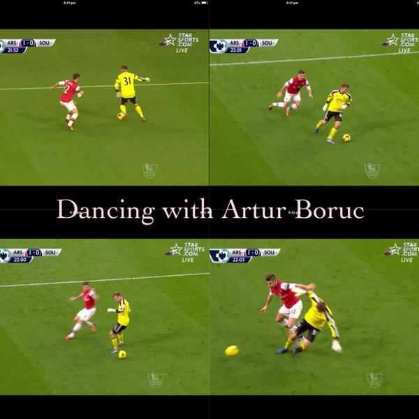 This is why goalies dont play outfield! Southampton keeper Artur Boruc fails the dribble at Arsenal, Giroud scores [GIF]