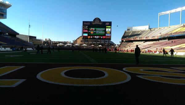 T-minus 90 minutes until #Gophers kickoff! #GopherGameDay #BorderBattle http://t.co/HiveJ5VEkn