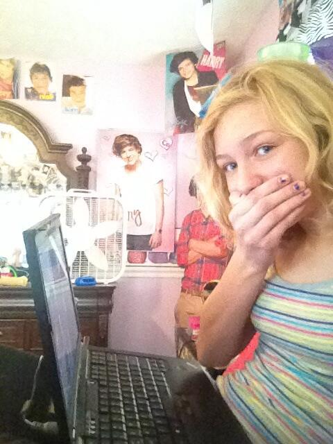 1ddaylive Watching It On My Computer Omg Omg I Love 1dday Its The Best Day Of My Life I Love You Guys Sooo Muchpic Twitter Com Uj8s9ilpbe