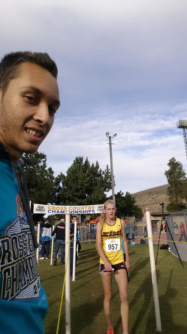 Selfie with Sarah Baxter!!!!!! :D #ShesABeast  #mtsacxc http://t.co/iZEYdRhLkH