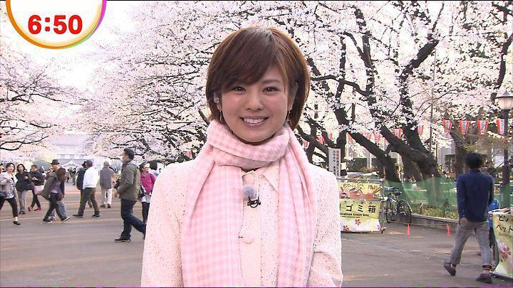 曽田麻衣子桜の木の下で朝の撮影姿