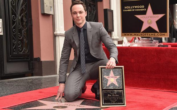 Jim Parsons, de The Big Bang Theory, ganha estrela na Calçada da Fama http://t.co/sdfVZTLzKr