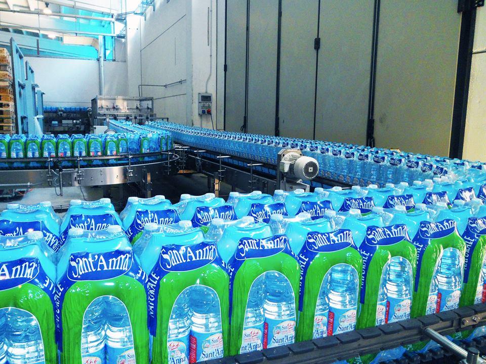 Auchan toglie dagli scaffali l'acqua Sant'Anna di Vinadio
