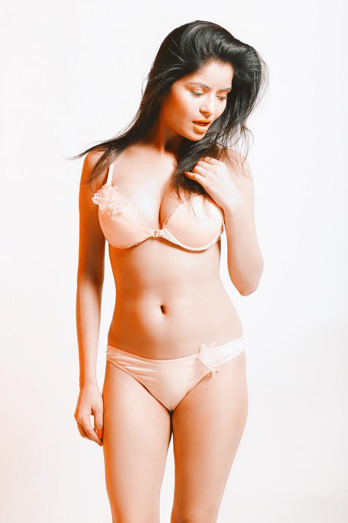 Pinky the porn star having sex